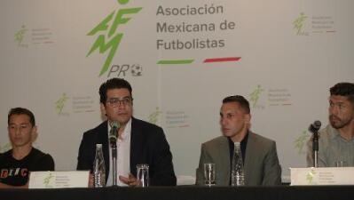 """Ortiz lo lamenta: """"hay directivos que juegan con la necesidad de los futbolistas"""""""