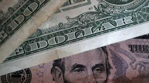 Algunos estados darán hasta $2,000 a quienes consigan un empleo (tras poner fin a la ayuda federal de $300): te decimos cuáles son