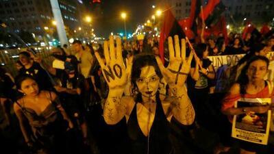 Una mujer denuncia una violación grupal por parte de hinchas de un equipo de fútbol en Chile