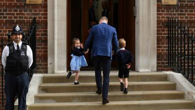 Lunes de fiesta en Inglaterra: así celebran la llegada del tercer hijo de William y Kate
