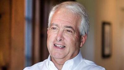 """John Cox, un empresario que al igual que Trump quiere """"drenar el pantano"""", pero en California"""