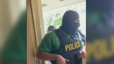 Piden una sanción para el policía que ingresó armado por equivocación a una vivienda de Opa-Locka