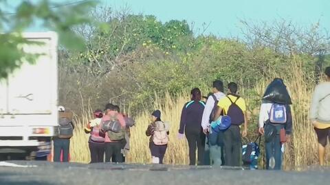 Miles de cubanos se han quedado sin amparo legal en México después de suspenderse la entrega de salvoconductos