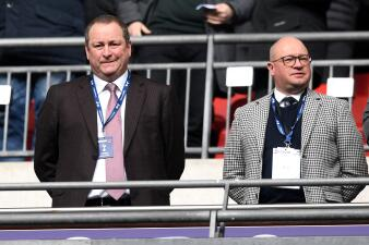 Newcastle United, en crisis: sus fans odian a Mike Ashley