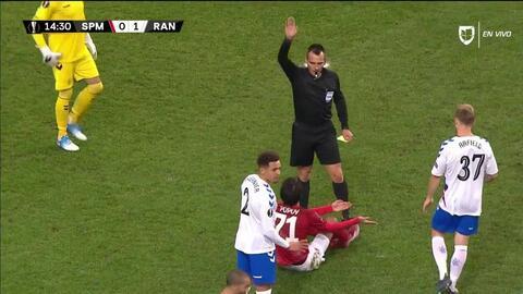 Tarjeta amarilla. El árbitro amonesta a Ivelin Popov de Spartak Moscow