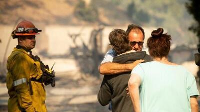 Levantan la orden de evacuación para algunas zonas afectadas por incendio Saddleridge
