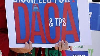 Presentan proyecto de ley para regularizar permanencias de dreamers y migrantes protegidos por TPS