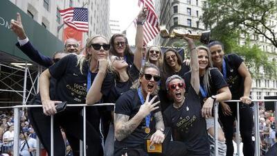 Reciben como heroínas a las integrantes de la selección femenina de fútbol en Nueva York