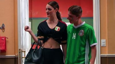 Benito presentó a su sexy novia