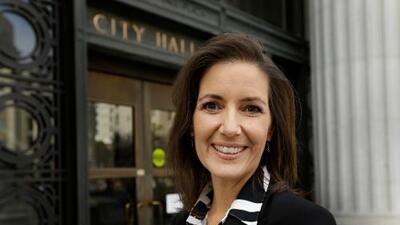 Alcaldesa de Oakland dice que iría a la cárcel por defender a los inmigrantes de ICE