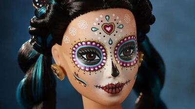 "Barbie celebrates ""Dia de Los Muertos"" with new doll"