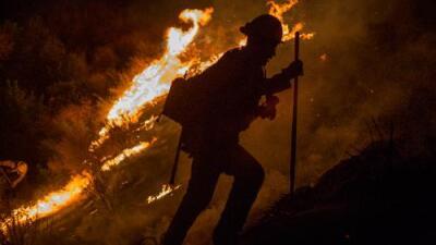 ¿Por qué hay cada vez más incendios en la Costa Oeste de EEUU?