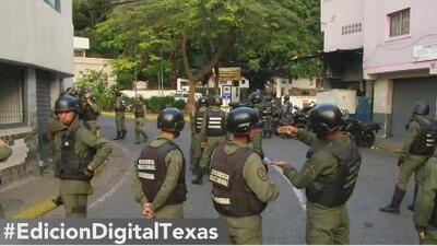 Venezolanos en San Antonio se unen a las manifestaciones por la crisis social en su país