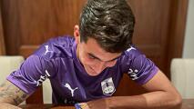 El Loquito Abreu firma tres años con Defensor Sporting