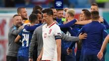 ¿Qué le pasa a Lewandowski? No brilla con Polonia en torneos importantes