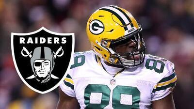 Raiders refuerza su ofensiva con Jared Cook