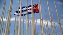 """""""Hay una solidaridad activa con la resistencia"""": experto sobre protestas en la embajada de Cuba en Chile"""