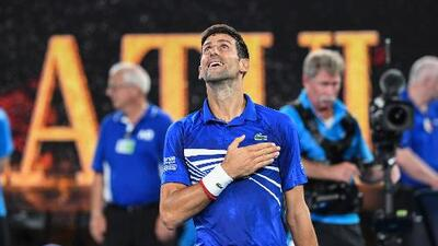 Djokovic arrasa a Pouille y se cita con Nadal en Final del Australian Open