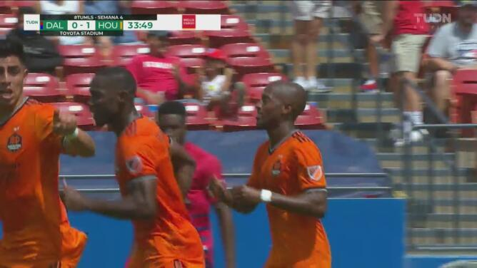 ¡No le celebra a su exequipo! Fafá Picault adelanta a Dynamo de penalti