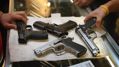 Tras el tiroteo en El Paso, ha aumentado la venta de armas en la ciudad y muchos aseguran que es para protegerse