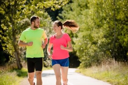 <b>ACUARIO</b><br>Les gustan los deportes extremos, pero es más grande su necesidad de relajar su rutina diaria. Una caminata al final del día puede ayudarles a liberarse de todas las tensiones con las que carga todo el día.<br>