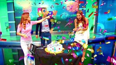 ¡A nombre de nuestra audiencia! Mordisco al pastel por el séptimo aniversario de Univision Deportes