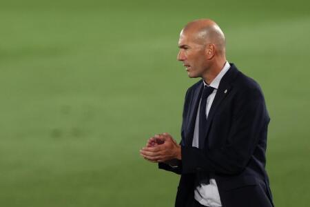 Zidane descarta fichajes y deja ver que saldrá otro delantero