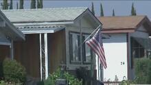 Más de 500 personas en Carson pueden quedar a la deriva por la venta del parque de casas móviles donde viven
