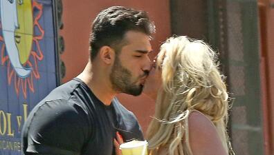 Britney Spears no está sola: su novio y su papá la apoyan mientras recibe ayuda en el centro de salud mental