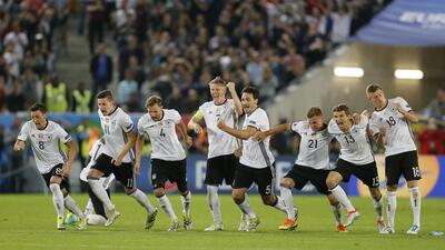 Germany survive tumultuous penalty shoot out to reach Euro semis