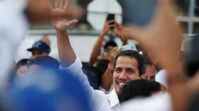 Juan Guaidó, presidente interino de Venezuela, cruza la frontera y llega al concierto en Cúcuta
