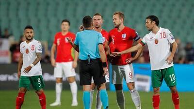 Cánticos racistas desde las gradas remecen el fútbol europeo y Bulgaria vuelve a ser la protagonista