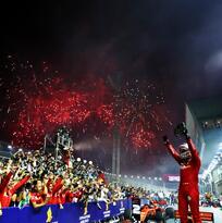 Sebastian Vettel logró su primera victoria del año en el GP de Singapur