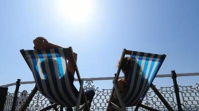 Intenso calor y cielos despejados durante la tarde de jueves en el sur de California