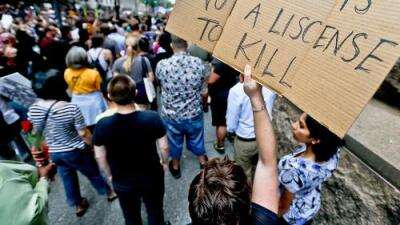 Un policía mató a un adolescente negro horas después de empezar a trabajar como agente
