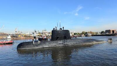 Armada de Argentina busca submarino que desapareció con 44 tripulantes