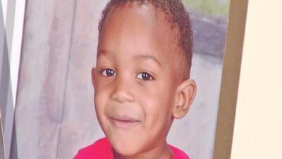 Rinden homenaje a la memoria del niño que murió tras ser olvidado en el autobús de una guardería