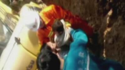 Impresionante rescate de un niño que cayó en un pozo en China