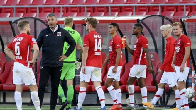Da UEFA luz verde al Napoli-AZ Alkmaar pese a COVID-19