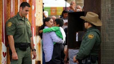 """Patrulla Fronteriza """"pide papeles"""" y restringe el acceso a parque donde se reúnen familias inmigrantes"""