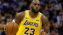 Curry y LeBron cobraron quincena completa en la NBA