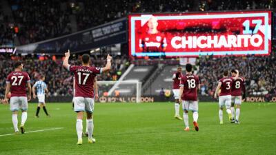 En fotos: un doblete del Chicharito concreta la remontada del West Ham ante Huddersfield