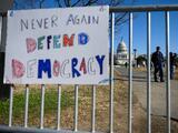 """""""No en todas las repúblicas bananeras pasa lo que vimos en el Capitolio"""", dice analista"""