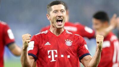 James y Lewandowski le dan el triunfo 0-2 al Bayern ante el Schalke 04 - Resumen completo