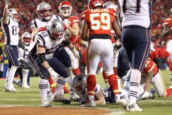 Los Chiefs se doblan en el momento crucial y no impiden el monopolio de Patriots en la AFC