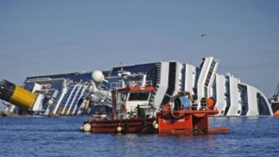 De siete a diez meses tardarán en sacar el Costa Concordia del mar