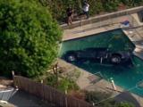 Ford Raptor cayó en una piscina y demostró que las pickups no fueron hechas para nadar