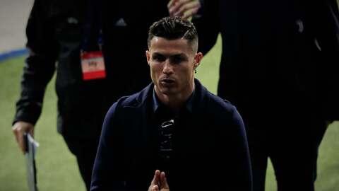Cristiano Ronaldo visita Barcelona para una revisión médica