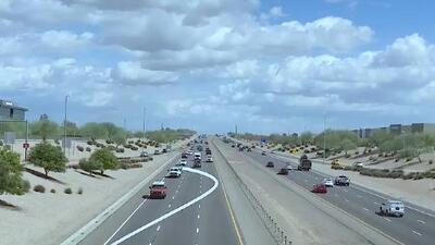 No guardar espacio entre vehículos, usar el celular y pasarse los altos, los errores más comunes de los conductores en Arizona
