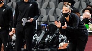 ¡Becky Hammon, primera mujer en ser entrenadora en la NBA!